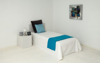 Single bedroom and decoration to rent